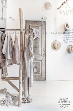 Photo (being me. Boutique Interior, Design Rustique, Hanging Clothes, White Beige, Grey, Store Displays, Dressing Room, Store Design, Hygge