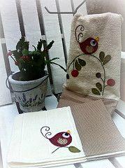ToALhAs RoStO E PiSo (DoNa BoRbOlEtA. pAtCh) Tags: handmade application aplicao toalhas toalhasdelavabo donaborboletapatchwork denyfonseca toalhasderosto toalhadepiso