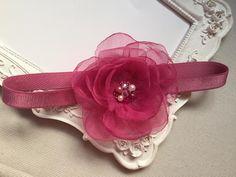 Serre tete fleur rose voile et accessoirisé avec cristaux et perles : Accessoires coiffure par fleurs-de-provence