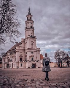#HomeWeek #BlogPost #Interview We continue the #TakeOver of our hometown's official Instagram page @visit_kaunas with a view of our elegant #TownHall.  It's one of the most significant buildings in #Kaunas and a very #unique one! You can see three main architectural styles in the façade of this beautiful building: #Baroque, #Gothic and early #Classicism.  But such a cool facts shouldn't surprise you, since we have said not once that Kaunas is full of unique places! ☺❤️And, happil...