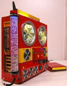 Amazing Pictures of Cool Customized Computer Mods. More info here - http://goo.gl/9hXHIf