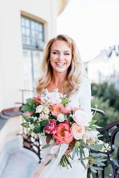 Stockholm Wedding Shoot at Hotel Kung Carl   #wedding #coral #peaches #city #stockholm #stationary #bride #weddingflowers #beige #summerwedding