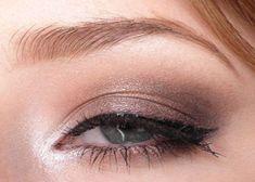 5 Magical Makeup Tips You Can Apply On Droopy Eyelids Droopy Eye Makeup, Droopy Eyelids, Smokey Eye Makeup, Mac Satin Taupe, Makeup Goals, Makeup Tips, Hair Makeup, Makeup Ideas, Taupe Wedding