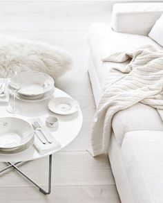 Beautiful interiors utilising white on a variety of surfaces make the most of the space available #Wedgwood #WhiteOnWhite
