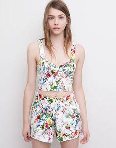 Pull&Bear - mujer - blusas y camisas - top crop flores - blanco - 09471319-V2015