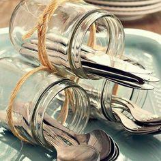 {Das coisas lindas pra fazer com seus potes da Adoro} Porta talheres para almoços ou lanches ou cafés da manhã especiais. Dica da revista @casaejardim . Nós amamos e você? #sustentavel #sustentabilidade #potedevidro #artesanato #reciclagem #saladanopote #adorosalada #adorosaladabh by adorosaladabh http://ift.tt/1TBUAoj