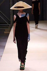Yohji Yamamoto Spring 2004 Ready-to-Wear Collection - Vogue