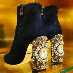 74e71de3f2a4 INSPIRATION   TAKE-AWAY  Dolce and Gabbana The take-away is