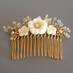 Peineta de Flores de Nácar y Cristal  Peineta por LoveAfterMidnight