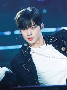 Cha Eunwoo is the king of visual -- and he deserves the title. On March ASTRO came as one of th Suho, Astro First, Cha Eunwoo Astro, Astro Fandom Name, Kpop Guys, Cha Eun Woo, Flower Boys, Dark Anime, True Beauty
