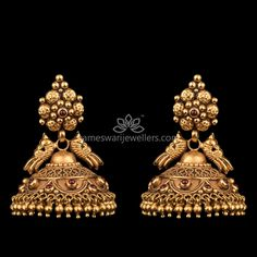 Mesmerizing collection of gold earrings from Kameswari Jewellers. Shop for designer gold earrings, traditional diamond earrings and bridal earrings collections online. Gold Jhumka Earrings, Indian Jewelry Earrings, Buy Earrings, Gold Earrings Designs, Gold Jewellery Design, Antique Earrings, Antique Jewelry, Earrings Online, Gold Jewelry