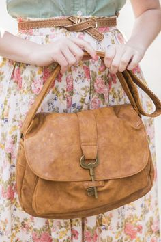 Pinning this for @Emma Montgomery!! She loves this purse and will most assuredly repin it after she sees this tag. :)