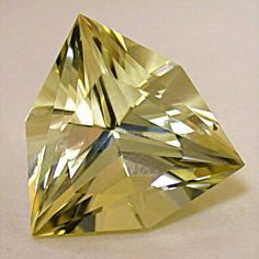 GOLDEN SUNSTONE Loose Faceted GEMSTONE Fancy Trillion 9.57cts love this cut