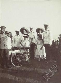 Государственный архив Российской Федерации - ГАРФ - Альбом любительских фотоснимков: Николай II и его семья, 1910-1911