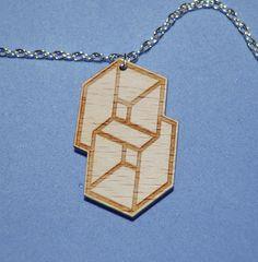 Kettenanhänger aus Holz  Geometrisches Symbol von StrangeFields
