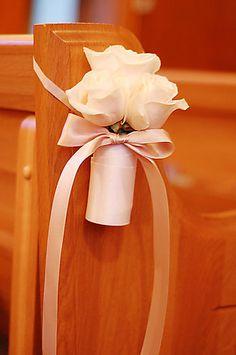 Simple pew flowers