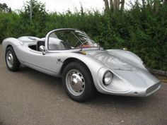 have another Colani at home, a toy Futuretruck with a round going windscreen wiper . Luigi Colani, look for him, a passionated designer. This is a 1963 Colani GT Colani Design, Automobile, Roadster, Weird Cars, Cabriolet, Unique Cars, Top Cars, Classic Cars Online, Car Buying Guide