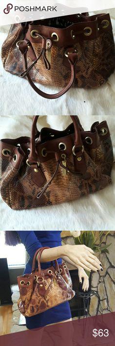 SALE!! Adrienne Vittadini Handbag In Excellent Condition Adrienne Vittadini Bags