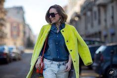 #PriscilaBetancort poppin neon in Milan.