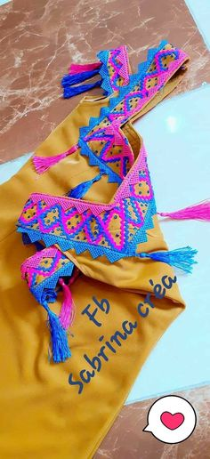 Embroidery On Clothes, Bead Embroidery Jewelry, Traditional Fashion, Traditional Dresses, Couture Dresses, Fashion Dresses, Street Hijab Fashion, Saree Blouse Patterns, Caftan Dress