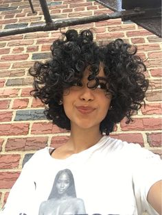 Effective styles for short curly hair - Kurzes lockiges haar - Hair Styles Curly Hair Styles, Curly Hair Cuts, Natural Hair Styles, Perm On Short Hair, Tumblr Curly Hair, Short Curly Hair Black, Curly Bob, Short Curly Pixie, Short Natural Curly Hair