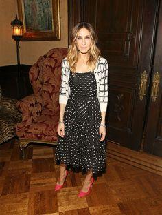 Who, Where, When - Sarah Jessica Parker es por eso que Sarah Jessica marca pauta para el mundo de la moda, ya que resulta tan dificil descifrar su estilo, como no enamorarse de el. Nz