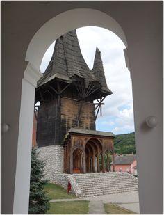 Im Westen Rumäniens haben wir die Schwaben. Das sind deutschestämmigen Gruppe in der Vojvodina (Serbien), Slawonien (Kroatien) und Südungarn.