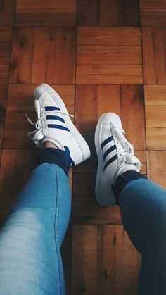 new concept 15d3f f6e5e Superstars adidas vsco outfit shoes