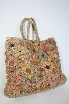 Beautifully handcrafted Sophie Digard bag in Raffia. Velvet applique details