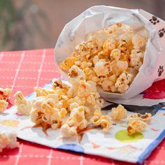 "Calabrian Chili Popcorn (Dog Park Picnic) - Giada De Laurentiis, ""Giada Entertains"" on the Food Network. Giada Recipes, Chef Recipes, Food Network Recipes, Snack Recipes, Giada De Laurentiis, Healthy Afternoon Snacks, Healthy Snacks, Orzo, Gluten Free Blueberry"