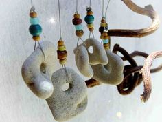 natur beach Hanging Mobile, Natural beach rocks Mobile, beads and rocks and wood, Garden Decoration, Beach rocks Stone Crafts, Rock Crafts, Arts And Crafts, Driftwood Crafts, Wire Crafts, Driftwood Mobile, Mobile Art, Hanging Mobile, Sun Catchers