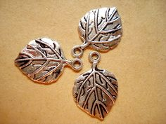 10 Antiqued Silver Tone Leaf Charms Pendant Drop 21x15mm B657 by yooounique on Etsy
