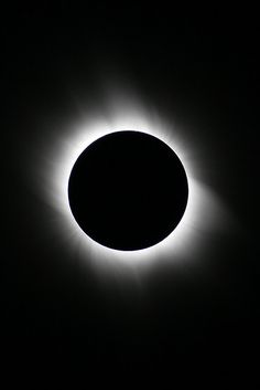 black and white photography - eclipse Black Noir, Black N White, Black White Photos, Black And White Photography, White Art, Color Black, Solar Eclipse, Happy Colors, Shades Of Black