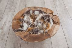 Handmade from exotic woods, this bowl may vary in size + - 3 cm External dimensions D40 cm, H20 cm; for an inside diameter of about 30 cm