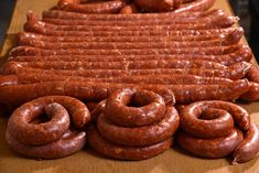 Sausage Spices, Healthy Cooking, Cooking Recipes, Homemade Sausage Recipes, Chorizo, Romanian Food, Pork Tenderloin Recipes, How To Make Sausage, Hungarian Recipes