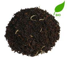 EARL GREY LEAF BIO | Earl Grey Leaf is een natuurlijk gearomatiseerde zwarte Ceylonthee. De thee combineert de smaak van White Buds Mao Jian Superior met de fijnste bergamot, afkomstig uit biologische teelt. De fijne en aromatische thee helpt je concentratie weer op pijl te krijgen. |