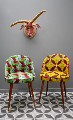 Pair of cocktail chair Wax Création www. African Interior Design, African Design, African Textiles, African Fabric, Funky Furniture, Furniture Design, African Furniture, French Dining Chairs, African Theme