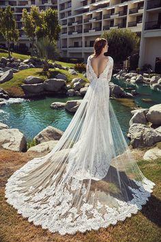20 Best Unique Wedding Dress Trains Images In 2020 Wedding Dresses Wedding Dresses Lace Bridal Gowns,Plus Size Summer Plus Size Beach Wedding Dresses