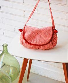 Les sacs, pochettes et porte-monnaie de Sacadidie -  http://papillonpapillonnage.bigcartel.com/  Pour les toulousaines, vous pouvez retrouver ses créations che Böw: https://www.facebook.com/bowatelierboutique