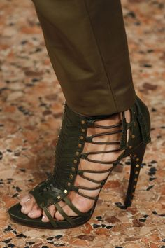 Emilio Pucci Fall 2014 RTW - Details - Fashion Week - Runway, Fashion Shows and Collections - Vogue