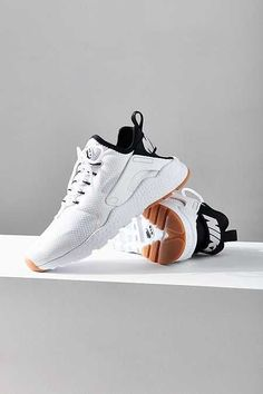 Nike Air Huarache Ultra Sneaker Accoutrement, Chaussure, Nike Huarache,  Baskets Nike, Chaussures f952a34eda50