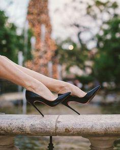 Perfect Black Essential Heels. Tacchi Close-Up #Shoes #Tacones #Heels
