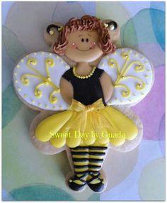 Bee dress up biscuit