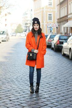 Orange coat  #Dulceida #blogger #fashionblogger #streetstyle #moda #outfit #tendencias #fashiontrends #fashioninspiration