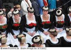 Frauen in Tracht, Leonhardifahrt, Bad Tölz, Isarwinkel, Oberbayern #Miesbach