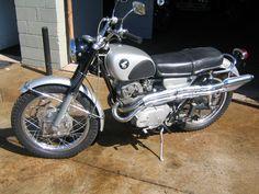 1967 Honda 305 Scrambler CL77