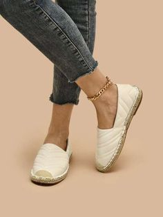 Sports Equipment, All Fashion, Latest Trends, Espadrilles, Style Inspiration, Flats, Accessories, Clothes, Shoes