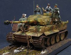 Dioramas and Vignettes: Autumn 1943  (German Tiger 1 on the Eastern Front).
