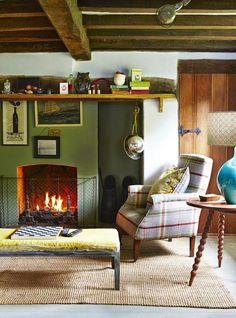 Casinha colorida: Uma casa rústica e diferente na Bretanha