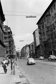 Old Pictures, Old Photos, Budapest, Historical Photos, Hungary, Arch, Street View, Travel, Places